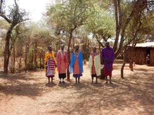 Women-around-the-world-MASSAï